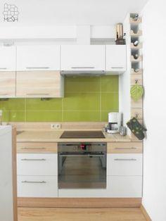 Pokój dzienny z kuchnią w mieszkaniu prywatnym