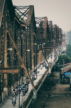 Long Bien bridge - Hanoi by Giang Minh Duc