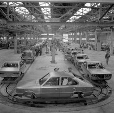 "Ulsan: Hyundai ""Pony"" sedan production, 1976  현대자동차울산공장"