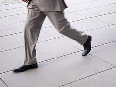 Dime a qué velocidad caminas y te diré si sufrirás demencia:  http://www.muyinteresante.es/salud/articulo/dime-a-que-velocidad-andas-y-te-dire-si-sufriras-demencia?utm_source=twitter_medium=socialoomph_campaign=muy-interesante-twitter102
