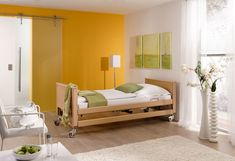 The nursing bed, Arminia III '' is extremely sturdily constructed so that it best meets the challenges of everyday care. Modern Hospital, Hospital Bed, Dementia Care, Types Of Beds, Mattress, Toddler Bed, Luxury, Furniture, Design