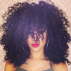 Buy nice Kinky Curly Hair Weave made from genuine quality human hair. This hair is soft and easy to manage and can be bleached and dyed. Kinky Curly Wigs, Human Hair Wigs, Curly Fro, Curly Bangs, Love Hair, Gorgeous Hair, Amazing Hair, Curly Hair Styles, Natural Hair Styles