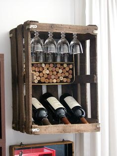 Best Garden Decorations Tips and Tricks You Need to Know - Modern Vegetable Drawer, Crate Crafts, Diy Clothes Rack, Ikea, Rustic Crafts, Foot Rest, Wine Rack, Crates, Diy Furniture