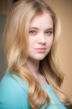 Sony Charishta one of the most beautiful and gorgeous actresses of Indian film industry. Here is information about Sony Charishta Photos new and bio. Sierra Mccormick, Beauty Full Girl, Cute Beauty, Divas, Blonde Moments, Cute Girl Pic, Beautiful Girl Image, Beautiful Women, Girl Inspiration