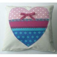quarto de criança - com um travesseiro almofada coração 1