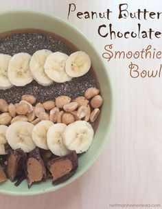 Protein Packed Peanut Butter Chocolate Smoothie Bowl. #cleaneating #eatclean #tlsprotein