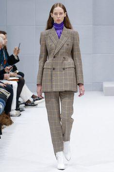 Vogue.com | Ready To Wear 2016 Fall Balenciaga Collection