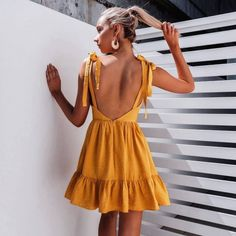 Where to buy summer dresses online in every price range and style. My fave places to shop online for summer dresses: maxi dress, floral dress, midi dress. Fall Wedding Outfits, Summer Outfits, Cute Outfits, Summer Dresses, Summer Ootd, Look Girl, Looks Street Style, Inspiration Mode, Passion For Fashion