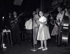 Brenda Lee Brenda Lee, Female Singers, Rock N Roll, White Dress, Composers, Top Ten, Concert, Boys, Music