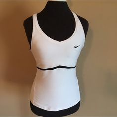 Nike Fit Dry size medium white workout top Nike Fit Dry size medium white workout top. Nike Tops Tank Tops