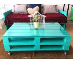 Now you can earn use of recycled pallet wood to create innovative and more handy parts of furniture for coffee table. There are two major varieties of wood pallets. 1 important thing with pallet furniture is you will want to finish it. Diy Pallet Furniture, Diy Pallet Projects, Pallet Ideas, Home Furniture, Kitchen Furniture, Coffee Table Design, Diy Coffee Table, Coffee Ideas, Palette Table