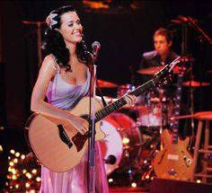 MTV Unplugged presents Katy Perry Katy Perry Photos, I Kissed A Girl, Mtv Unplugged, I Love Music, Teenage Dream, Documentary Film, Female Singers, Celebs, Celebrities
