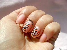 Little orange bird nail art