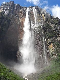 Landscape photograph of the Salto del Angel, the highest waterfall in the world located in Guyana, Venezuela. Wyoming, Angel Falls Venezuela, Ecuador, Savage, Advent, Waterfall Hikes, Les Cascades, Beautiful Waterfalls, Ipoh