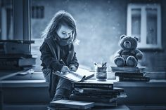Fotograf Adorable little girl, writing letter to Santa, sitting on a wind von Kemi H Photography auf 500px
