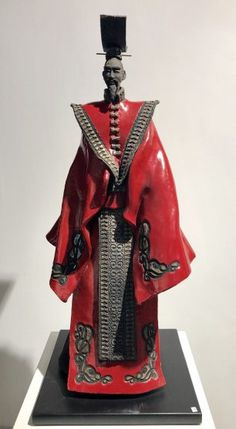 PAUL BECKRICH (CERAMIQUE) - Galerie Rikia FerrerGalerie Rikia Ferrer Samurai, Sculpture Art, Sculptures, Ferrat, Clay Figures, Sculpting, Geisha, Statues, Newspaper Art