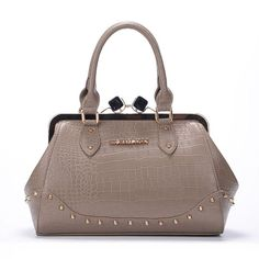 #MichaelKors 2015 Latest Cheap MK!! More than 60% Off Cheap!! Discount Michael Kors OUTLET Online Sale!! JUST CLICK IMAGE ^-^ And some of them just cost $38.99.#http://www.bagsloves.com/