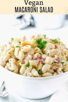 Quick and easy recipe for Vegan Macaroni Salad creamy and simple macaroni with fresh and crispy celery red onions bell pepper is perfect for a summertime backyard cookout or your next potluck! Tortellini, Penne, Pasta Salad Recipes, Healthy Salad Recipes, Whole Food Recipes, Vegetarian Recipes, Vegetarian Italian, Healthy Good Food, Healthy Eating