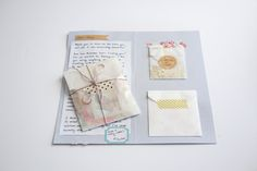 I love this idea for a letter portfolio. It includes little extras plus your letter in a cute folder/card that's small enough to fit in the envelope. Pen Pal Letters, Pocket Letters, Letter I, Letter Writing, Faux Bob Tutorial, Raspberry Bars, Pretty Letters, Glassine Envelopes, Diy Envelope