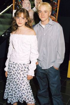 Emma Watson And Tom Felton At The Scooby Doo Premiere July 2002 Mundo Harry Potter, Harry Potter Ships, Harry Potter Love, Harry Potter Characters, Harry Potter Universal, Harry Potter Memes, Draco Malfoy, Hermione Granger, Draco And Hermione