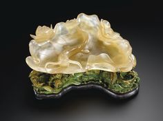 AN IMPERIAL AGATE WASHER WITH A STAINED IVORY STAND QING DYNASTY, QIANLONG PERIOD