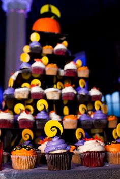 Super cool Nightmare before Xmas themed cupcakes by The White Flower Cake Shoppe-photo by Inlux Photography