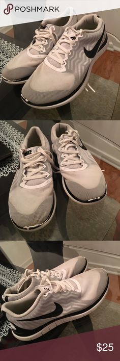 e114b4621a9b5 Very lightly worn Air max thea Air max and Shoes sneakers