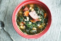Hearty Kielbasa Bean and Vegetable Soup-***The is surprisingly delicious. So flavorful. Cereal Recipes, Soup Recipes, Paleo Recipes, Free Recipes, Dinner Recipes, Bean And Vegetable Soup, Kids Meals, Easy Meals, Anti Candida Diet