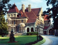 Nestled in the heart of South Bend is a stunning castle-like property that was built by Clem Studebaker in the late This stunning architectural wonder is a beloved spot for weddings and receptions.and it's also hiding an incredible restaurant inside. Castle Restaurant, Restaurant Offers, Inside Castles, Second Empire, Romantic Getaways, Old Houses, Huge Houses, Manor Houses, Vacation Spots