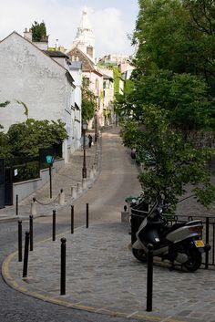 | ♕ | Rue de Montmartre - Paris | by © mezzoblue