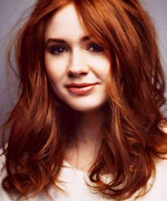 Hair Color Red Natural Karen Gillan New Ideas - Kurz haare Redhead Hairstyles, Pretty Hairstyles, Hairstyle Ideas, Korean Hairstyles, Men Hairstyles, Red Hair Brown Eyes, Natural Red Hair, Natural Makeup, Karen Gillan