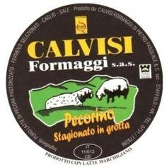 Si tratta di un Pecorino prodotto dall'azienda Calvisi di Staffolo stagionato dai 60 ai 90 giorni prima di essere posto in grotta su tavole di legno per altri 90 giorni.