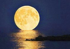 Luna Llena Mágica en la Noche de San Juan por Lur García - http://hermandadblanca.org/2013/06/16/luna-llena-magica-en-la-noche-de-san-juan-por-lur-garcia/
