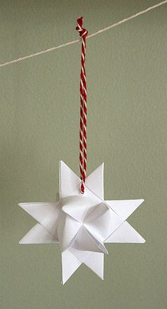 DIY paper stars for your Christmas home.