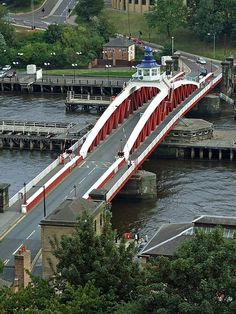 Hydraulic swing bridge crossing the Tyne between Newcastle Quayside and Gateshead