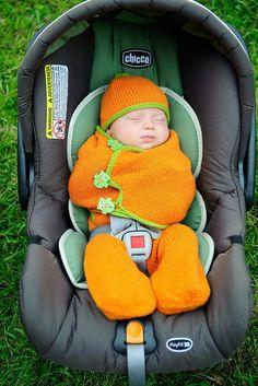 12 Free DIY Baby Sleep Sack Tutorials