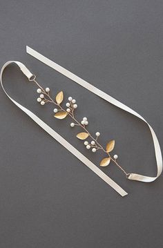 A vine of gilded leaves, glistening Swarovski crystals, and opalescent pearl buds strung along a golden wire. Bridal Cuff, Bridal Bracelet, Wedding Jewelry, Boho Wedding, Garter Wedding, Ribbon Jewelry, Boho Stil, Messing, Gold Pendant