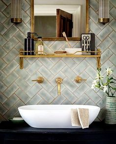 82 awesome bathroom tile designs to inspire! The post 82 awesome bathroom tile designs to inspire! appeared first on badezimmer. Gold Bathroom, Bathroom Wall, Bathroom Interior, Bathroom Ideas, Modern Bathroom, Bathroom Vanities, Bathroom Renovations, Serene Bathroom, Bathroom Accents