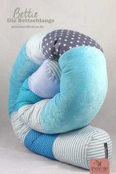 Bettschlange Bettie als Geschenk zur Geburt (Nähanleitung und Schnittmuster von Ministöffchen) Genäht von shesmile