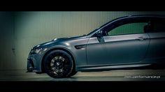 """BMW M3 [E92 Coupe """"Frozen Gray""""] Tuned By MM-Performance.pl \\\ VT2-625 Zestaw Kompresora [ESS Tuning] \\\ Sportowy Układ Wydechowy (System Przepustnic) [Capristo] \\\ Zderzak Przedni (Włókno Węglowe) [Vorsteiner] \\\ Wentylowana Pokrywa Silnika (Włókno Węglowe) [Vorsteiner] \\\ Dyfuzor Zderzaka Tylnego (Włókno Węglowe) [Vorsteiner] \\\ Pakiet Kosmetyczny (Czarny Połysk – Atrapa Chłodnicy """"Nerki – Grill"""", Obudowy Kierunkowskazów) [iND] \\\ Dystanse Poszerzające Kół + Śruby (Czarny Połysk)…"""