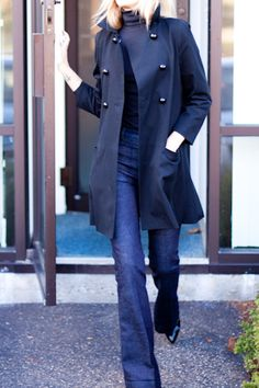 A flared or boot leg pant is always a key cut to turn when searching for a flattering style. Plus the military style navy coat sets the blue denim off beautifully - great combo. Boho Mode, Mode Chic, Mode Style, Estilo Fashion, Fashion Moda, Look Fashion, Womens Fashion, Fashion Shoes, Looks Style