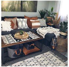 Boho Living Room, Home And Living, Small Living, Living Room With Plants, Earthy Living Room, Cozy Living Rooms, Living Room With Color, Manly Living Room, Boho Room