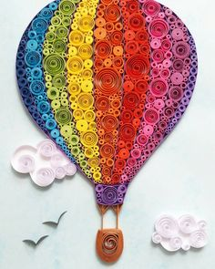 Hot Air Balloon Wall Art – Hot Air Balloon Paper Art – Hot Air Balloon Decoration – Paper Art – Framed Paper Art – Quilling Art - New Deko Sites Paper Quilling For Beginners, Paper Quilling Tutorial, Paper Quilling Patterns, Quilled Paper Art, Quilling Paper Craft, Quilling Techniques, Paper Crafts, Quilling Ideas, Quilling Jewelry