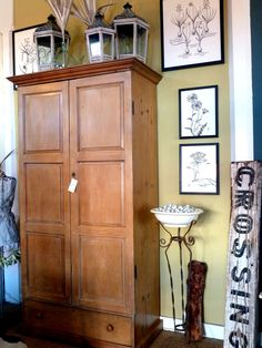 Bon Armoire/closet For Next To The Front Door For Coats?
