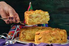 Tort szarlotka, miękki, dobrze krojący się, pyszny torcik dla zwolenników ciast z jabłkami. Wilgotne, miękkie ciasto i dobrze wyczuwalne kawałki owoców. Apple Pie Cake, Cakes And More, Food Hacks, Banana Bread, Food And Drink, Healthy Eating, Cooking Recipes, Tasty, Sweets