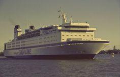 Finnjet, Einfahrt in Travemünde Finland, Opera House, Ship, Building, Classic, Travel, Driveway Entrance, Derby, Viajes
