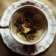 Discover the Chinese Herb of Immortality -Jiaogulan (Gynostemma pentaphyllum.) Premium Organic Jiaogulan tea from Thailand. Jiaogulan Tea, Picnic At Hanging Rock, Doe Eyes, Flower Tea, Tea Art, My Cup Of Tea, High Tea, Afternoon Tea, Tea Time