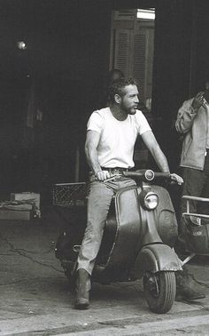 Paul Newman en scooter Piaggio
