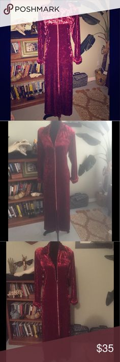 Elvis Approved Vintage Red Crushed Velvet Gown Vintage Red Crushed Velvet Crystal Zip Up Gown. Cabernet Brand. Velcro Shoulder Pads. Zipper has Rhinestones. Sz S But Fits Larger and 20percent Spandex. Authentic Original Vintage Style Intimates & Sleepwear Robes