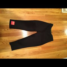 Zaggora Capri hot pants Zaggora hot pant capris size small! They are designed to make you sweat and believe me they work! retail for $70 Zaggora Pants Track Pants & Joggers